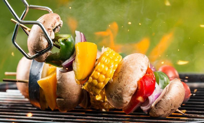 Szaszłyki wegetariańskie z warzyw z grilla, a także grill wegetariański, czyli przepisy, potrawy i dania z grilla wegetariańskiego