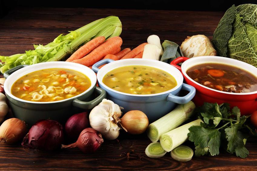 Różne zupy warzywnej, idealne na dietę zupową, a także zasady diety, przepisy, menu oraz skuteczność diety zupowej