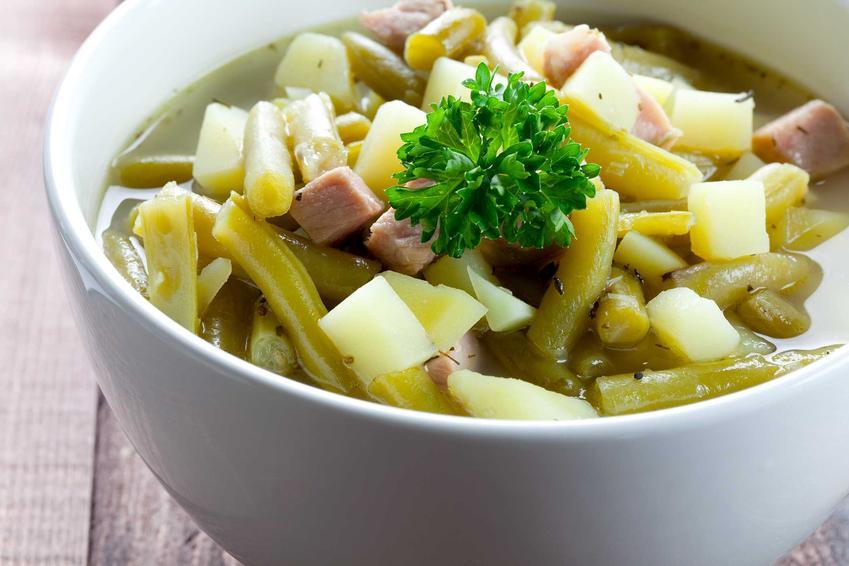 Zupa z fasolki szparagowej z młodymi ziemniaczkami, a także 3 błyskawiczne, smaczne i zdrowe przepisy na wyjątkową wiosenną zupę