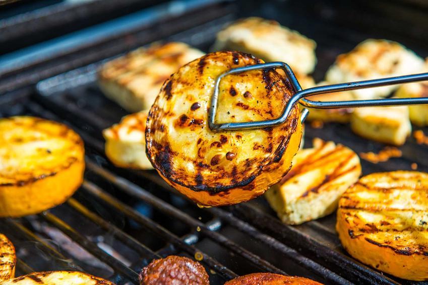 Sery pleśniowe po grillowaniu, a także 4 pomysły na dania na grilla, czyli najlepsze przepisy na grilla krok po kroku