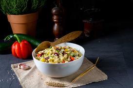 Kaszotto z warzywami - 3 szybkie przepisy. Sprawdź, jak zrobić danie fit
