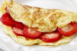 Puszysty omlet na słodko fit - 3 najsmaczniejsze przepisy
