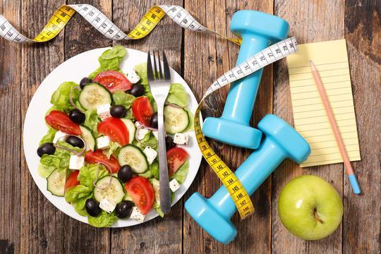 Dieta niskowęglowodanowa - zasady, produkty, zalety, wady