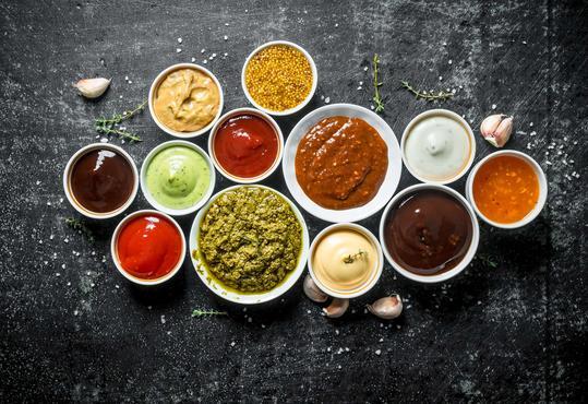 Przepisy na sosy - doradzamy, jak przygotować wyśmienite sosy do potraw