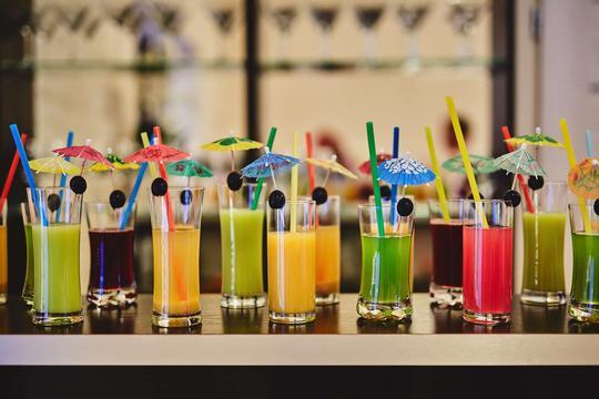 Drinki - rodzaje, przepisy, wykonanie, dodatki, ciekawostki