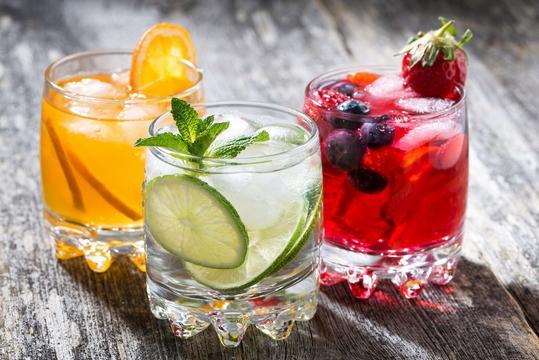 Napoje – rodzaje, przepisy, przygotowanie, przechowywanie, porady