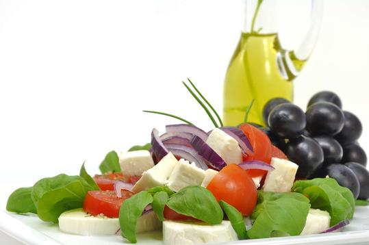 Dieta śródziemnomorska - polecane przepisy, dania, zalety zdrowotne