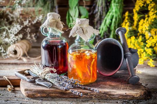 Przepisy na domowe alkohole i trunki - poznaj je wszystkie