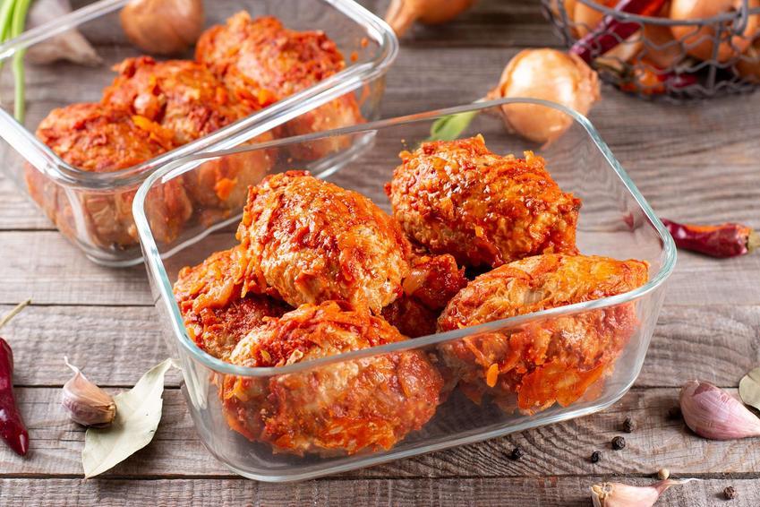 Gołąbki bez zawijania w piekarniku w sosie pomidorowym