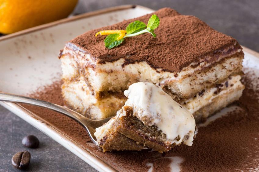 Ciasto a'la tiramisu z kajmakiem bez pieczenia