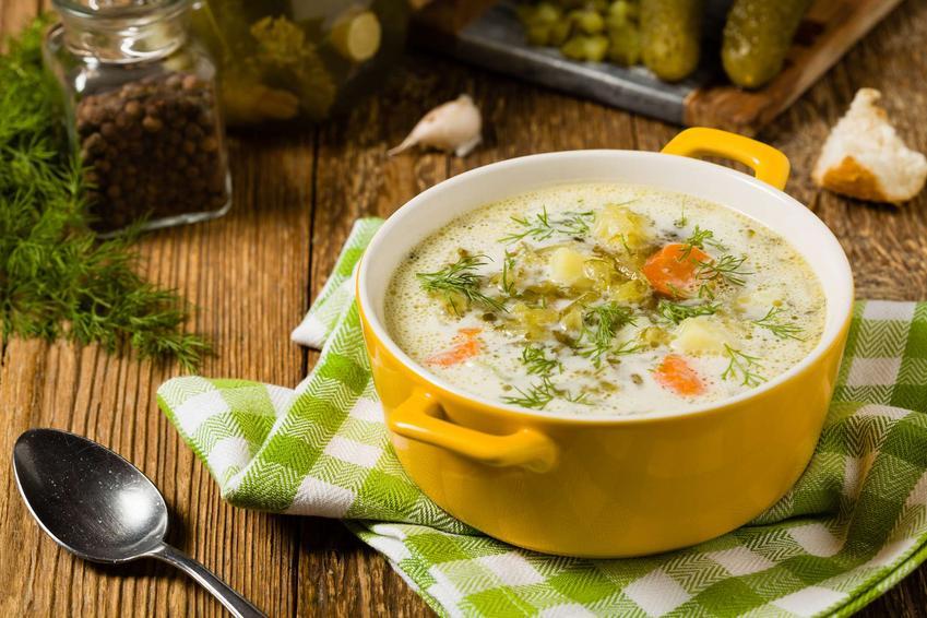 Zupa z fasolki szparagowej z serkiem topionym