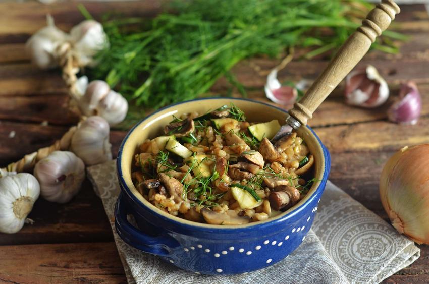 Kaszotto z warzywami i borowikami w kremowym śmietankowo-koperkowym sosie