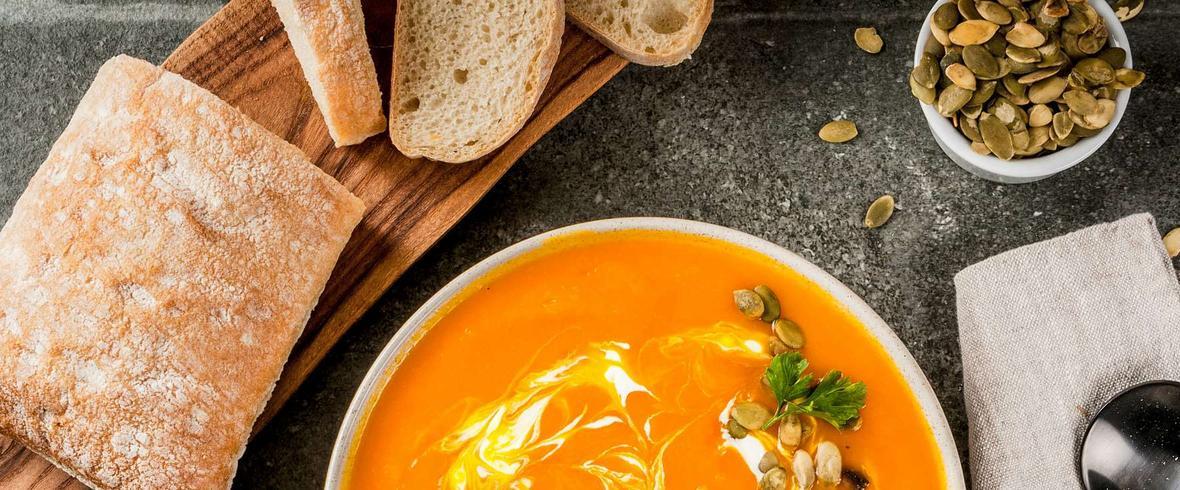 Zupa z dyni piżmowej z grzankami