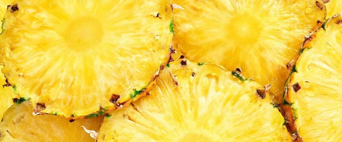 Sałatka z ananasem