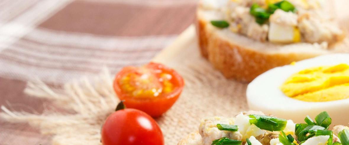 pasta jajeczna z makrelą