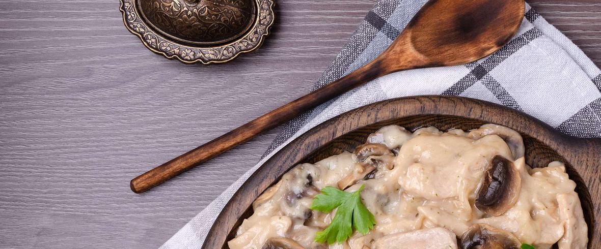 filet z indyka w sosie pieczarkowym