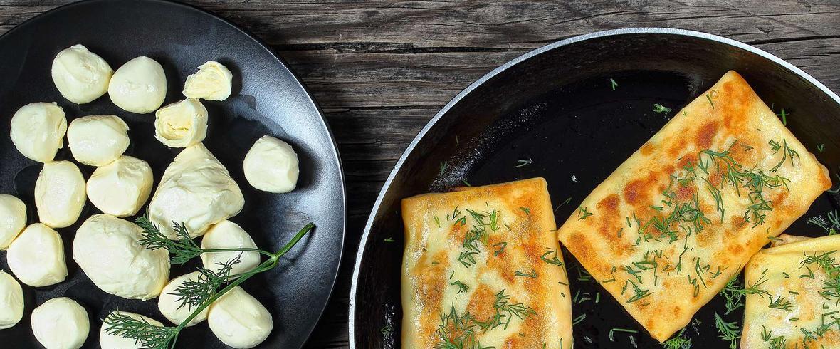 Naleśniki ze szpinakiem i mozzarellą