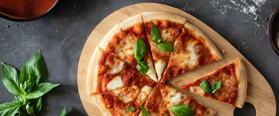 pizza na suchych drożdżach
