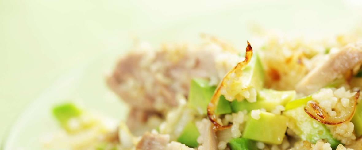 sałatka z kuskus i kurczakiem