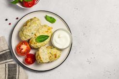 Dietetyczne gołąbki bez zawijania w piekarniku w sosie koperkowym