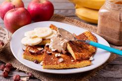 Puszysty omlet biszkoptowy na słodko fit z bananem