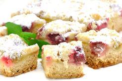 Drożdżowe ciasto z kruszonką, rabarbarem, budyniem oraz polewą cytrynową