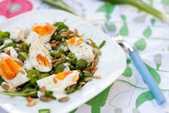 Sałatka z bobem i jajkiem
