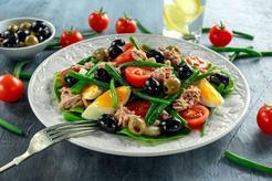 Sałatka z fasolki szparagowej i tuńczyka
