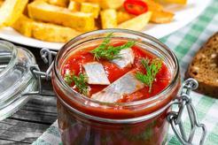 Śledzie salsa na ostro