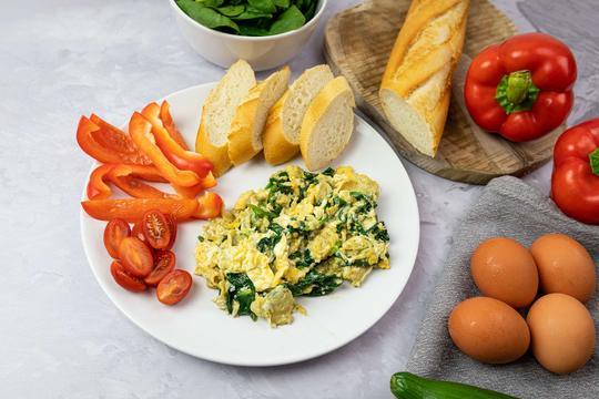 śniadania z jajkiem